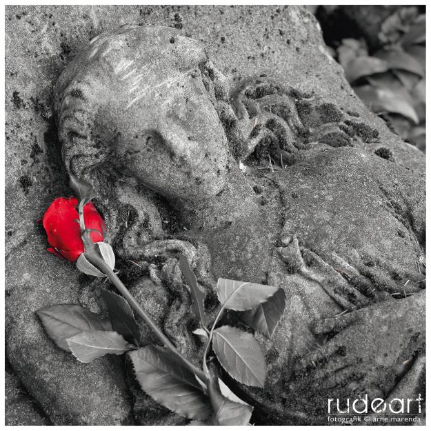 Grabfigur in Freiburg/Breisgau, Alter Friedhof